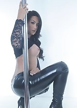 Beautiful Bianka pole stripping