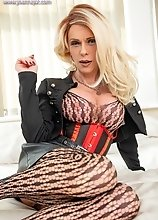 Joanna Jet - Boss Lady