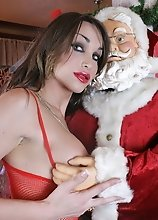 TS hottie Jonelle wishes a merry xxxmas